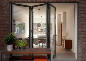 Bifold-doors-extend-your-room1